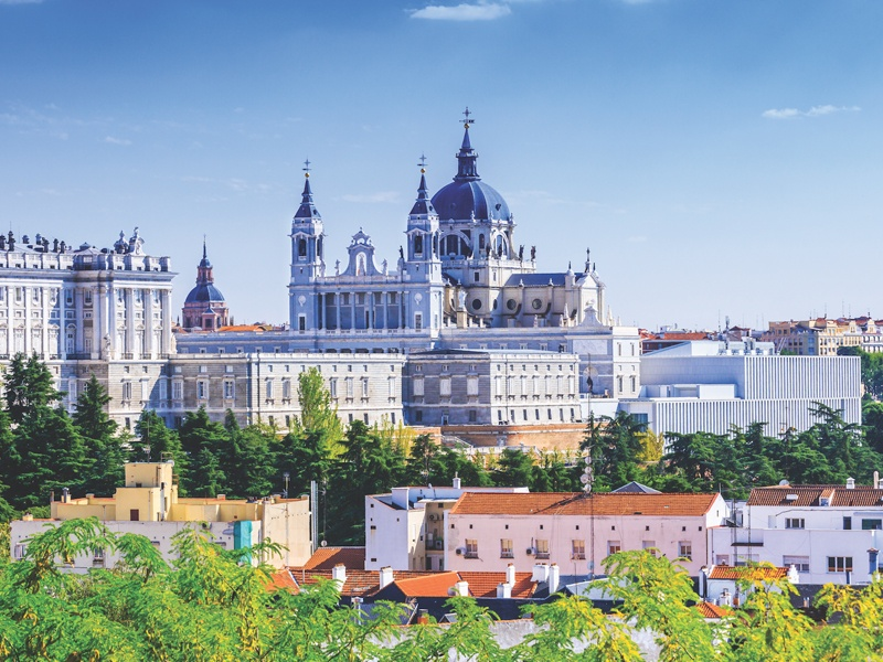 Madrid Cheap flights – Search and Compare Cheap Flights to Madrid at travel junction and book cheap flight to Madrid